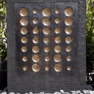 Water Wall – Circles In